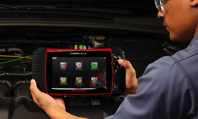 BCSS for professional vehicle diagnostics scanning service